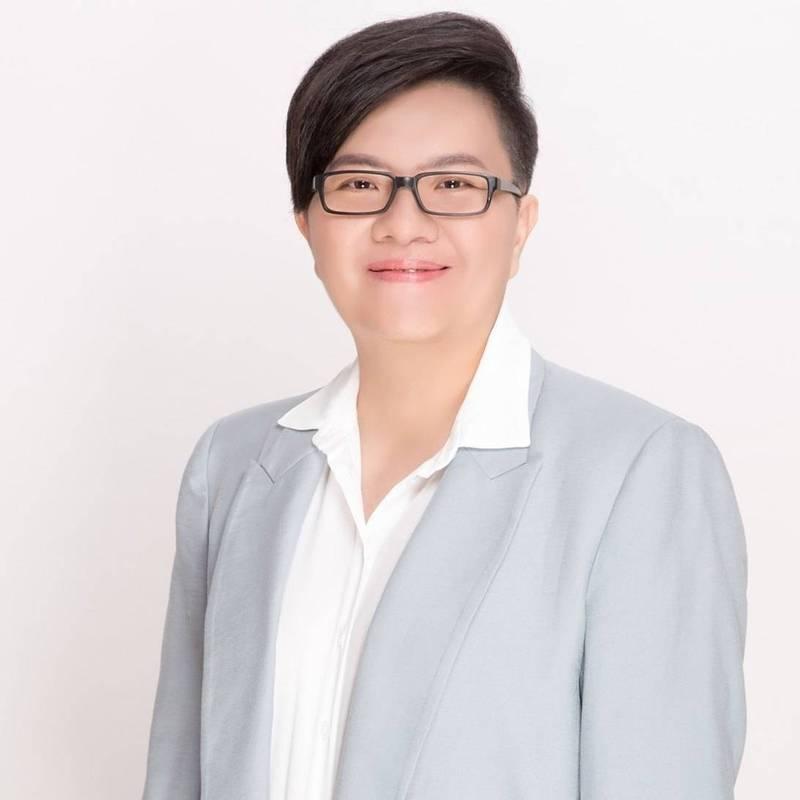 吳佩蓉嗆羅智強,如果受贈疫苗就被稱為疫苗乞丐,那當年韓國瑜受贈公車廣告、又是什麼?(記者王榮祥翻攝)
