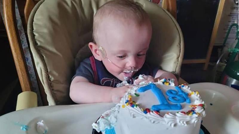 曾遭判定存活率零 全球最早產寶寶迎來首次生日 獲金氏認證