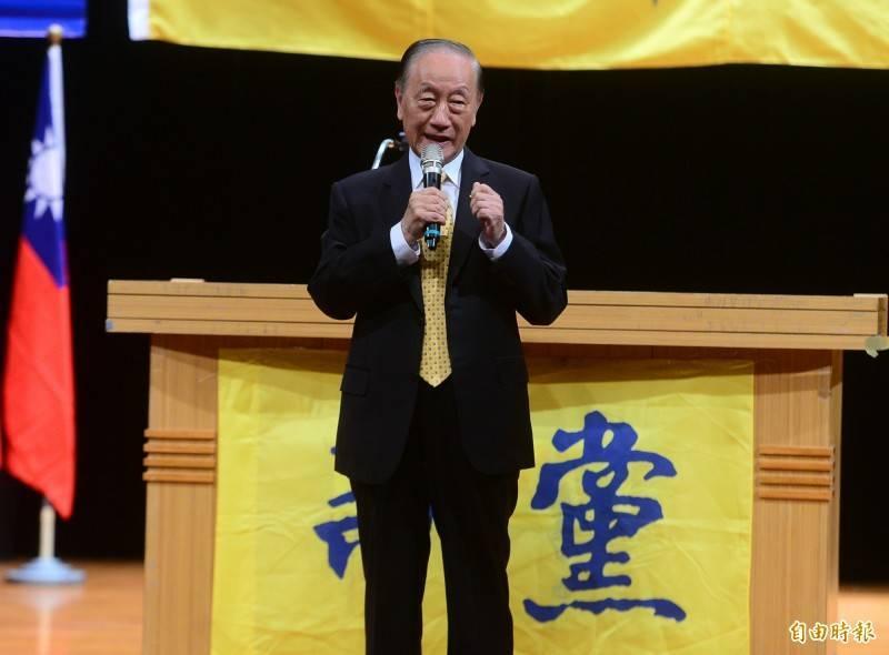 先前爆出已經在上海旅館隔離,準備施打疫苗的新黨前黨主席郁慕明昨(20)日透露,他已經在中國施打第一針疫苗。(資料照)