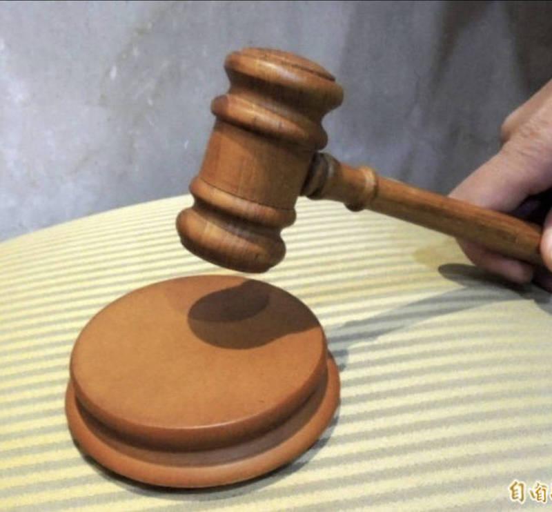 髮廊小資女盜刷女同事2張信用卡450次,12年後才發現被判刑並判賠40萬。(資料照)