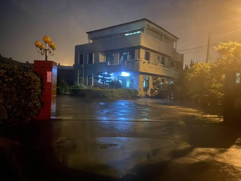 神岡區木工廠發生員工墜落死亡意外,遭市府勒令停業改善。(記者歐素美翻攝)