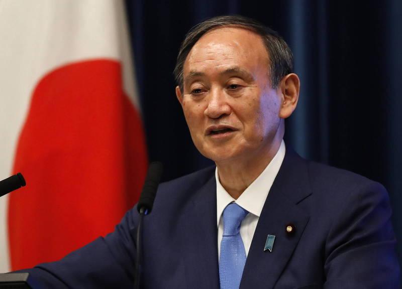 日本在全球「性別差距指數」排名偏低,首相、發展總部部長菅義偉(見圖)表示,將就此現況採取近一步的措施。(歐新社)