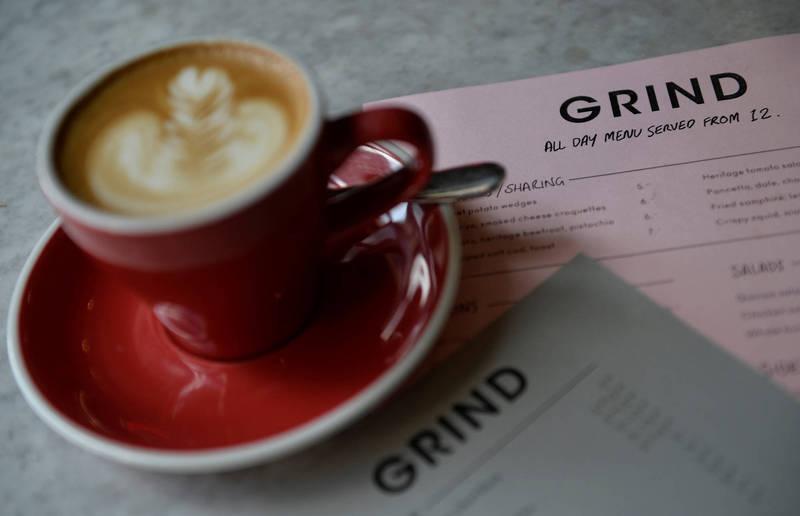 英國研究顯示,喝咖啡可預防慢性肝病。(路透)