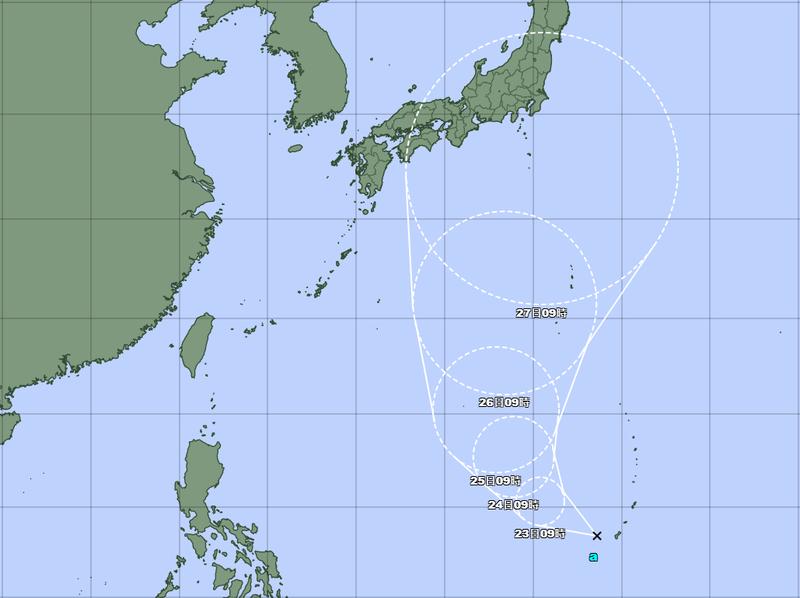 位於關島東南方海面的熱帶性低氣壓持續發展,最快明增強為今年第5號颱風「薔琵」。(圖擷自日本氣象廳)