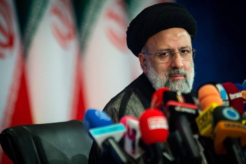 伊朗極度保守派教士、司法部長萊希(見圖)以壓倒性票數在總統大選勝出。(彭博)