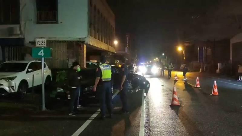 花蓮縣吉安鄉吉興路一段昨深夜發生一起槍擊案,兩輛自小客車在街上飛車追逐後開槍傷及一人。(記者王錦義翻攝)