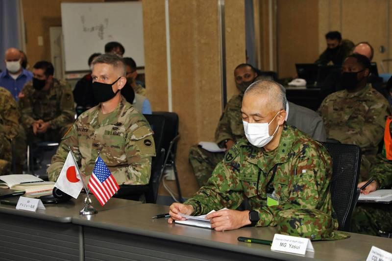 美日曾在3月12日在伊丹營地舉行東方之盾21-2的會議。(圖截取自Twitter/@USARJ_PAO)