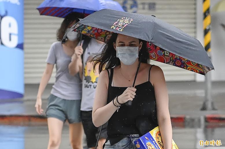 氣象局表示,今天白天降雨有機會再度增多。(資料照)