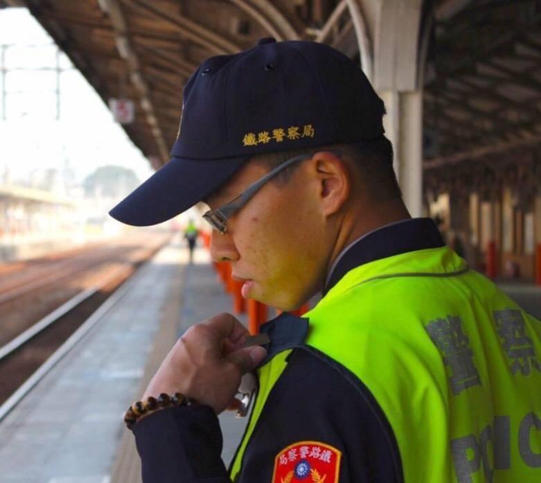 鐵警李承翰英勇保護列車乘客而不幸殉職,行凶的鄭姓男子今被判17年定讞。(資料照)