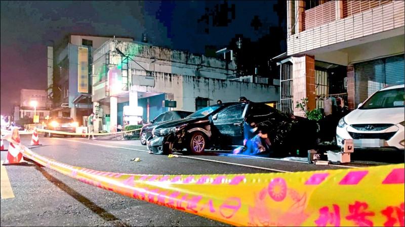 花蓮縣吉安鄉22日發生一起暗夜追車槍擊案,朱姓男子坐在駕駛座,面部遭人開槍身亡。(記者王錦義翻攝)