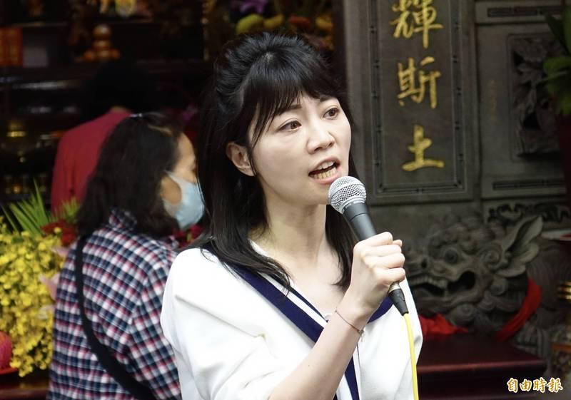 民進黨籍立委高嘉瑜(見圖)替禾馨診所喬疫苗,被台北市長柯文哲爆料,引來各界質疑。(資料照)