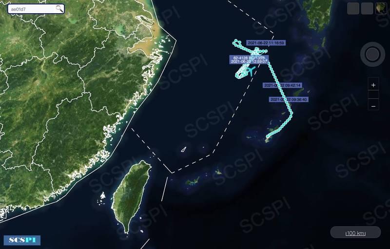 美軍RC-135S週二上午從沖繩嘉手納基地起飛北上,大約在10點左右進入中國自劃的東海防空識別區。(圖翻攝自SCS Probing Initiative推特)