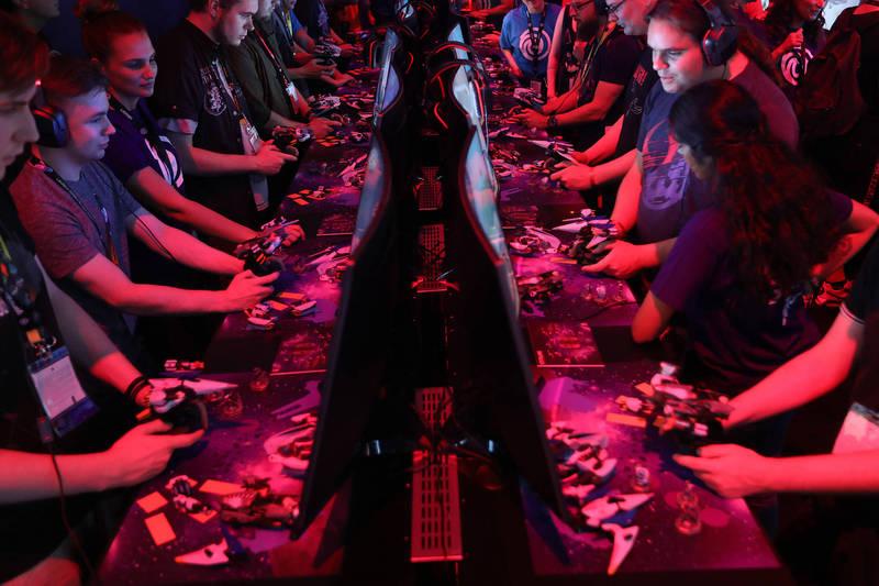 2018年8月21日德國科隆電玩貿易展的玩家。(彭博社檔案照)