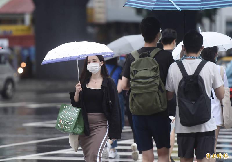 中央氣象局指出,今天(25日)天氣依然不穩定,各地有雨。(資料照)