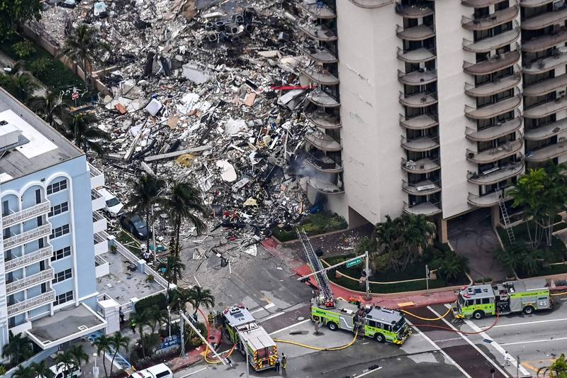 A residential building in Miami, Florida, USA collapsed. The Governor of Florida has issued a state of emergency statement. In addition, it has also been reported that the missing persons include the sisters of the Paraguayan President's wife.  (AFP)