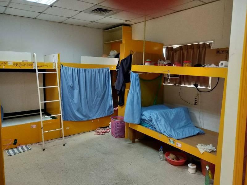 六輕移工宿舍防疫升級,少人共房、獨立衛浴。(記者黃淑莉翻攝)