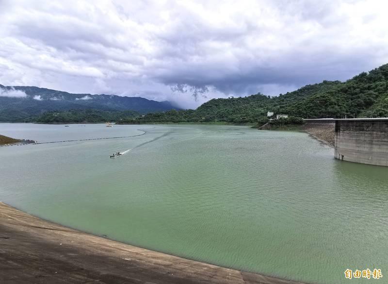 上游持續降雨,曾文水庫蓄水率已經超過48.5%,直逼5成。(記者吳俊鋒攝)