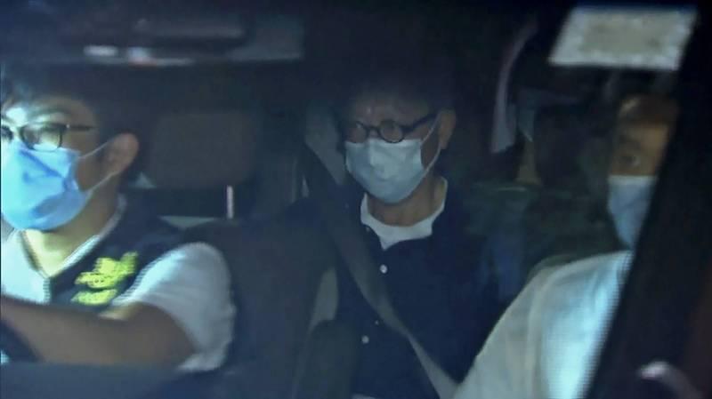 前香港蘋果日報英文版執行總編輯馮偉光,27日晚間準備搭機前往英國時,在機場遭港警國安處拘捕。(美聯社)