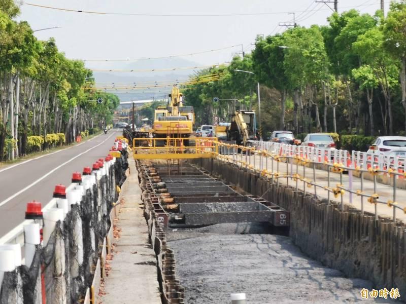 曾文、南化聯通管工程施作順利,進度已逾13.5%。(記者吳俊鋒攝)