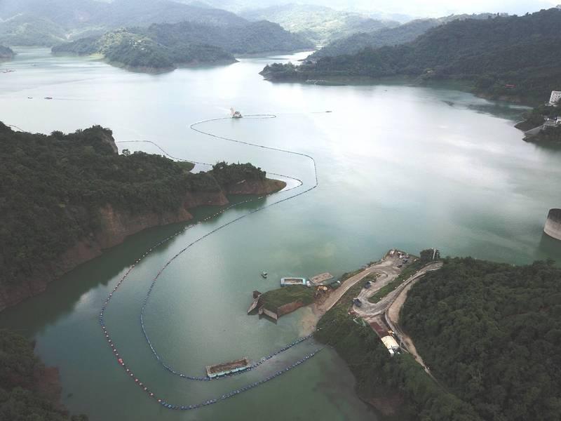 水情危機解除的曾文水庫,4天來的有效蓄水量再增1000萬公噸。(讀者提供)