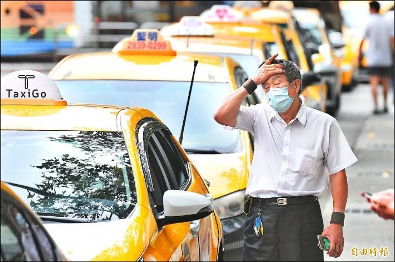 運輸業駕駛紓困人數增導,致經費不足,1900人領嘸,公總表示,將動支其他紓困結餘經費因應。(資料照)