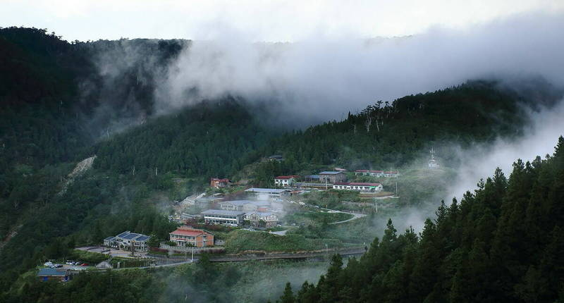疫情三級警戒微解封,太平山13日起重新開放,圖為太平山莊。(圖由羅東林管處提供)