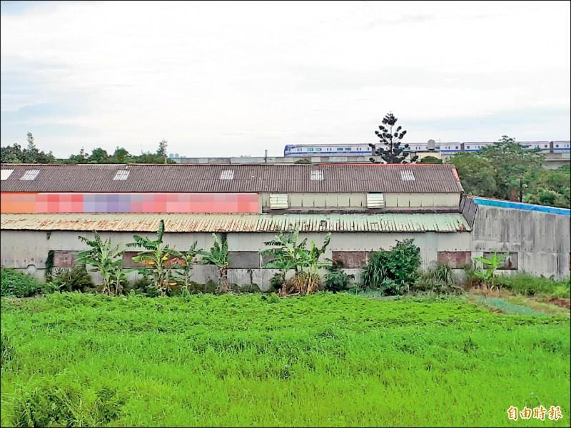 農地工廠由於違反農地農用原則,都會課徵地價稅、房屋稅。(記者謝武雄攝)