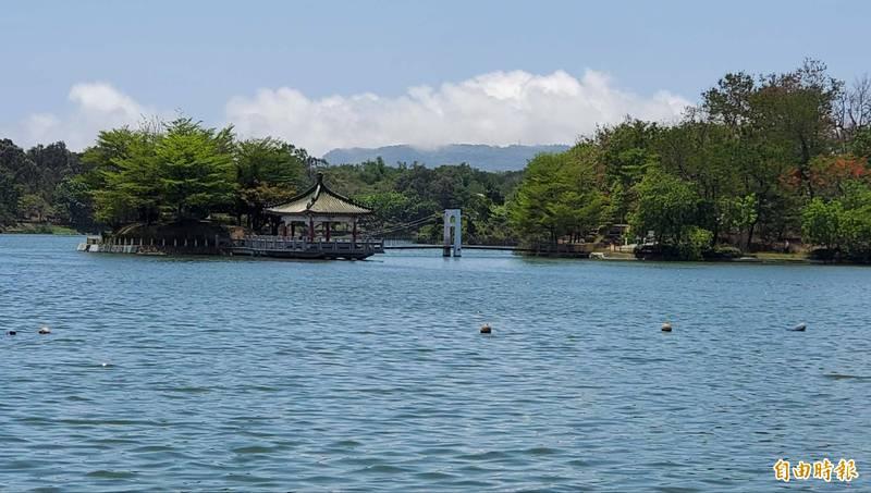 高雄澄清湖風景區今公告7月13日有條件開放。(記者陳文嬋攝)