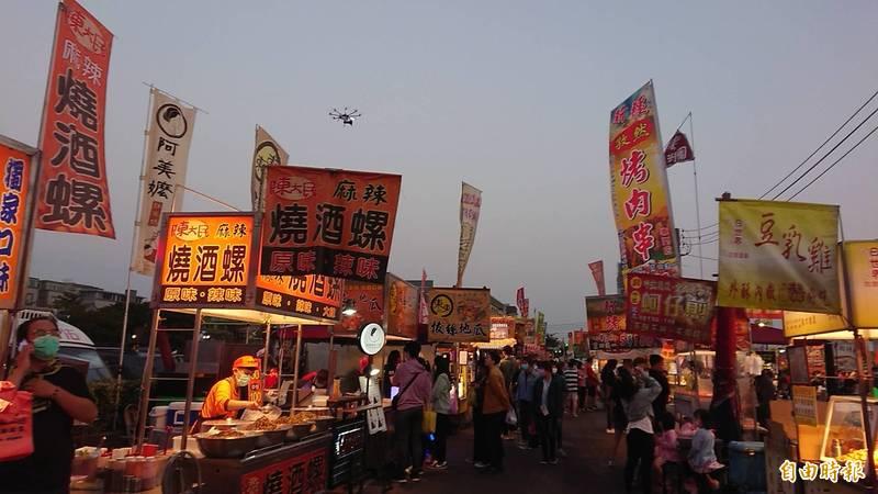 全國微解封,6都僅台南依中央指引有條件開放餐飲內用。(記者洪瑞琴攝)