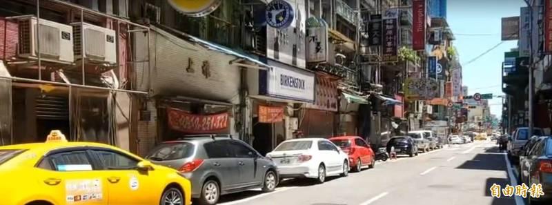 基隆愛四路夜市攤商投票決定降級後再營業。(記者盧賢秀攝)