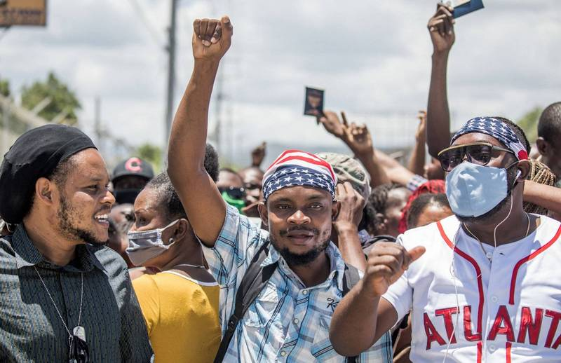 Haitian President Mois was assassinated. The local gang leader revealed that it was the police who colluded with opposition politicians and the bourgeoisie and killed Mois. The picture shows Haitian people taking to the streets to protest.  (AFP)