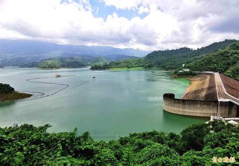 曾文水庫因水情回穩,全台最大湖泊的美景再現,風光明媚。(記者吳俊鋒攝)