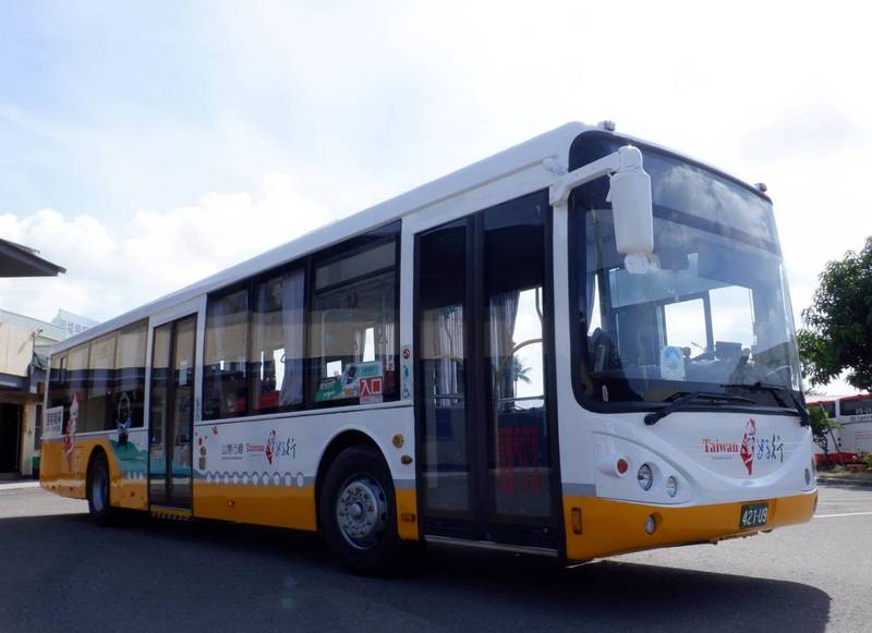 台南「山博行假日公車」於17日起恢復行駛。(南市府提供)