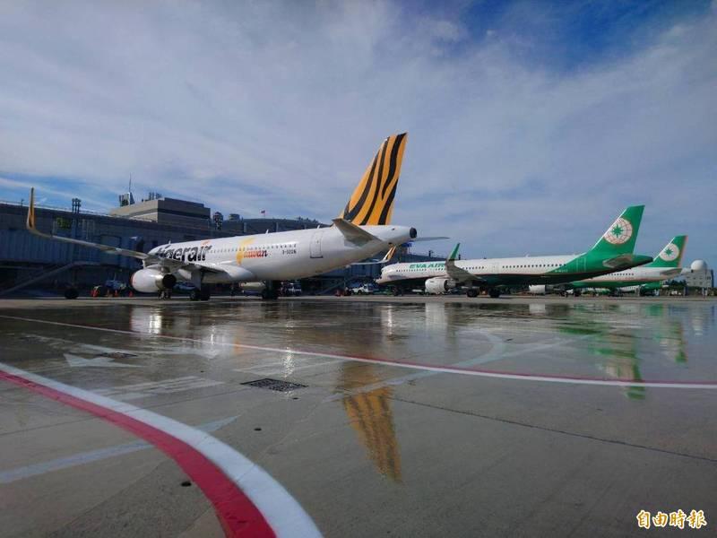 澎湖13日微解封後,機場航班也增加班次飛行。(記者劉禹慶攝)