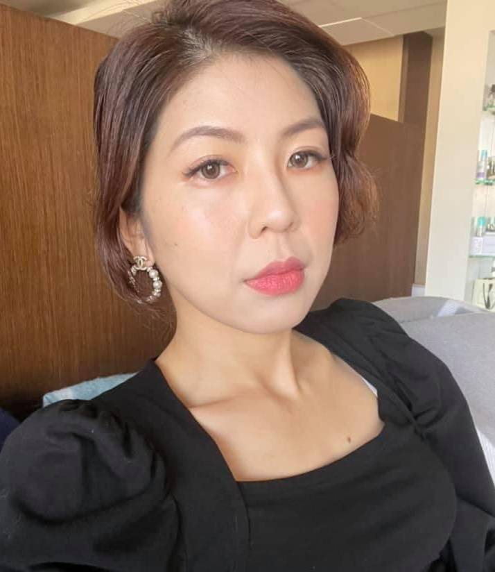律師李怡貞在臉書檢舉自家老爸無「罩」出門,意外釣出老爸本尊留言。(圖翻攝自臉書)