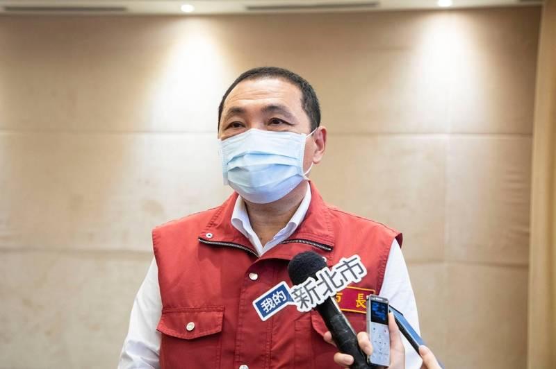 新北市長侯友宜表示,預計19日公布新的解封措施,餐飲內用將最後開放。 (新聞局提供)
