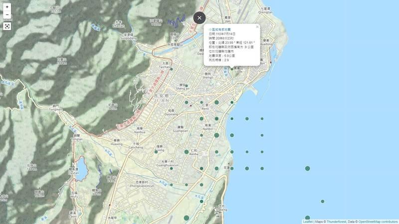 [新聞] 花蓮連續41震 震央分佈圖呈現「棋盤格」