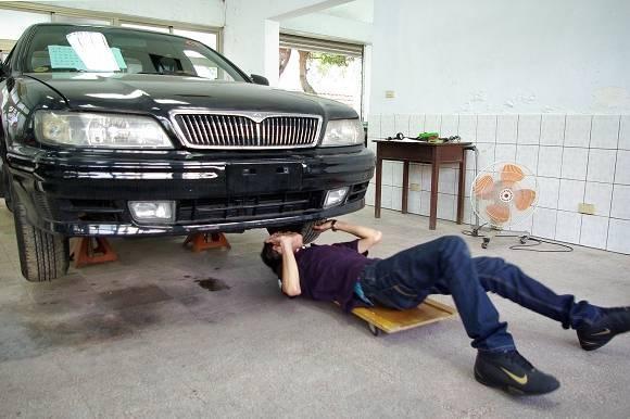 汽車檢驗員、汽車駕駛考驗員術科測驗再延期,公總表示,將延至8月14、15日辦理。(圖:取自公路總局公路人員訓練所網站)