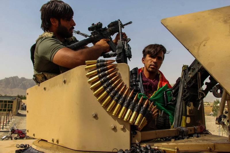 伊斯蘭激進組織「神學士」提出欲以停火3個月,換取釋放目前遭囚禁的7000名神學士成員。圖為阿富汗軍人正在站崗。(歐新社)
