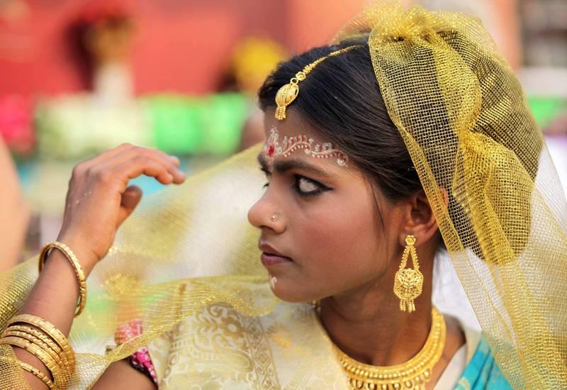 印度1名新娘「愛上別人」,不願意接受家中指腹為婚,報警請警方前來阻止婚禮進行。示意圖,非新聞當事人。(歐新社檔案照)