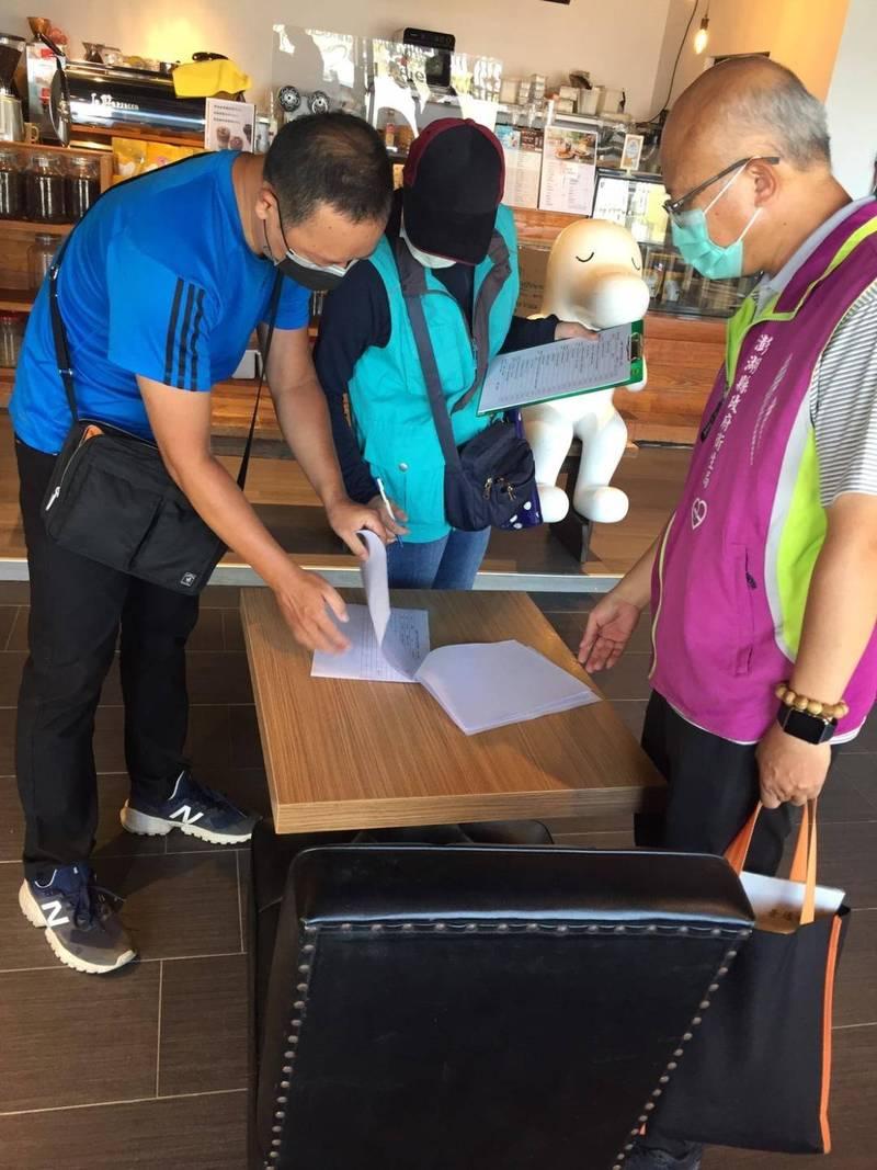 澎湖餐飲業開放內用,新增一家「cama café 澎湖馬公店」,現有7家合格。(澎湖縣政府提供)