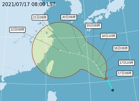 台灣東方海面上的熱帶性低氣壓,最快可能在今日形成編號第6號颱風烟花。(圖:取自氣象局網站)