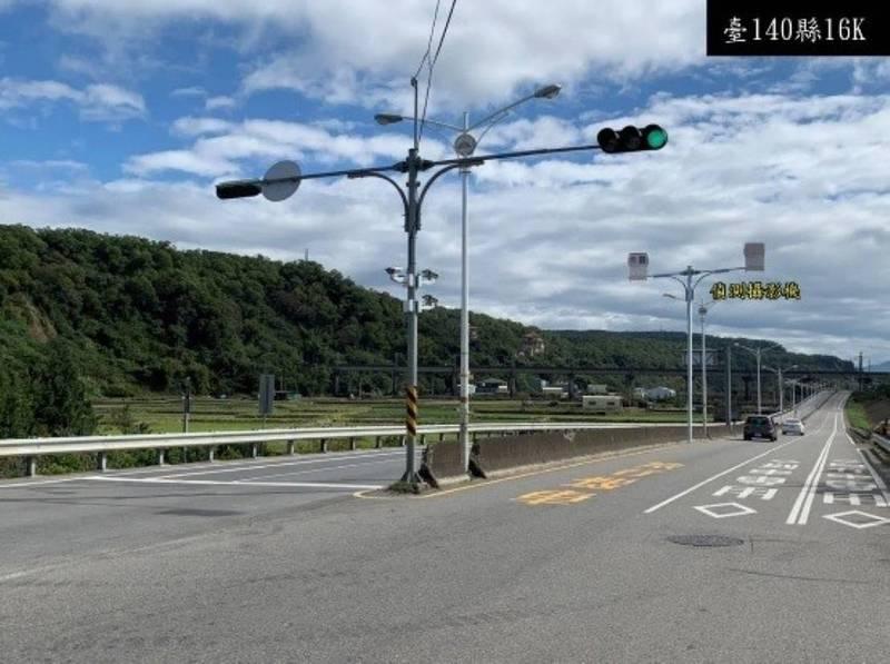 苗栗縣140縣道16~25公里的區間測速系統建置3個偵測點,只要前段或後段的行車速率有超速違規,就從一重舉發處罰。(苗栗縣警察局提供)