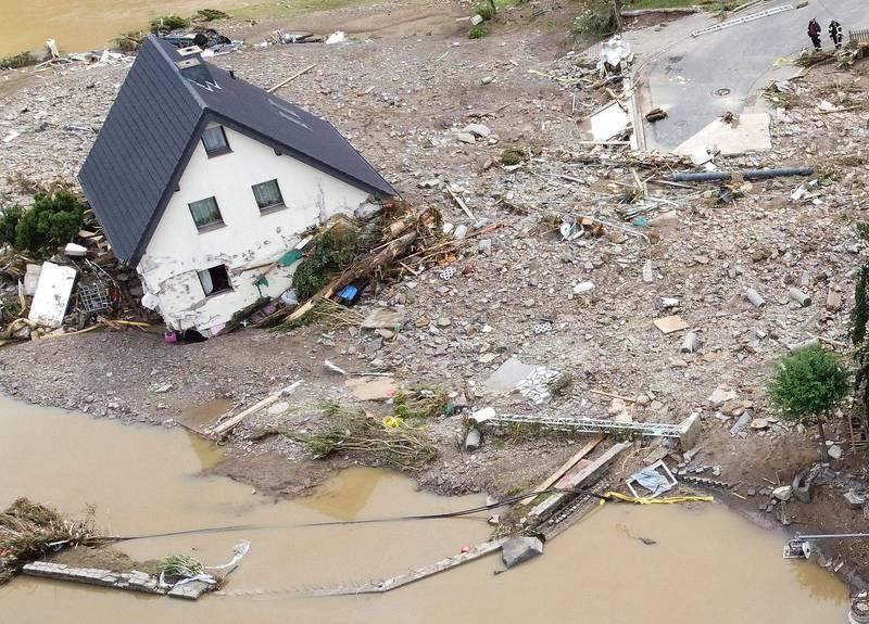 西歐洪災釀百死千人失蹤,專家表示是預警通報系統出了問題。(路透)