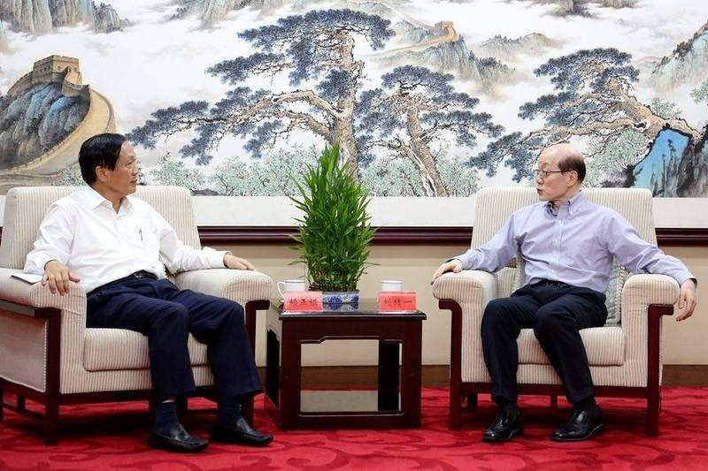 中國國台辦公布,國台辦主任劉結一已於7月13日在北京會見台灣的全國商業總會主席賴正鎰。(翻攝國台辦官網)