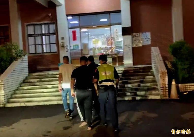 台中霧峰今晚發生當街持刀砍人案,警方逮捕蔡姓男子等6人移送法辦。(記者陳建志翻攝)