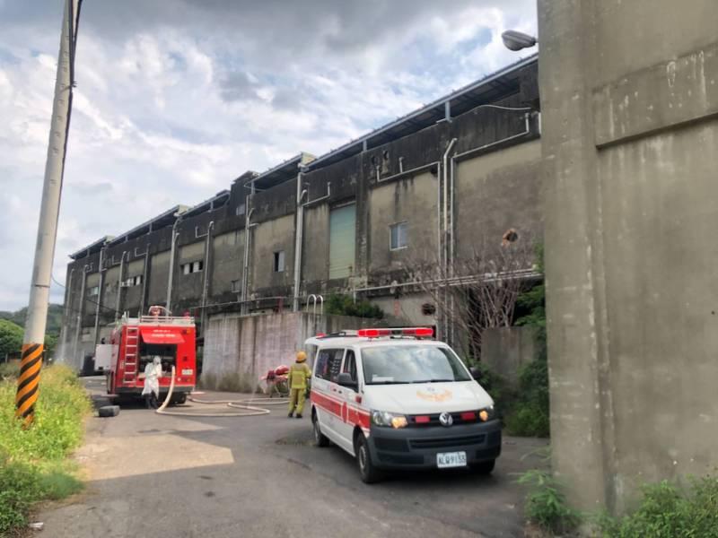 頭份1家工廠今下午發生氨氣外洩,現場警戒中。(民眾提供)