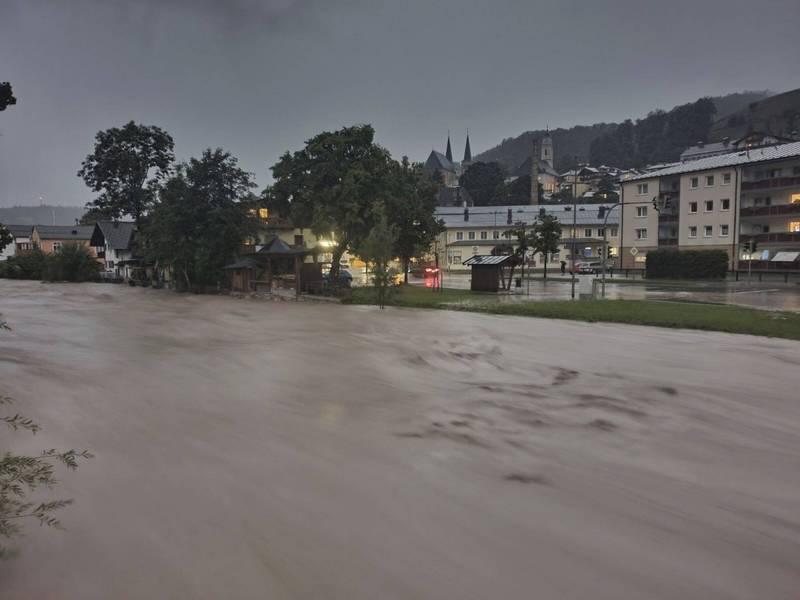 德國貝希特斯加登遭受洪水侵襲。(美聯社)