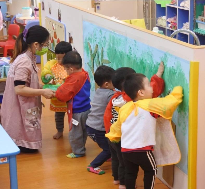 宜蘭縣公私立托嬰中心與公共托育家園,將於22日開放收托。(圖由宜蘭縣政府提供)