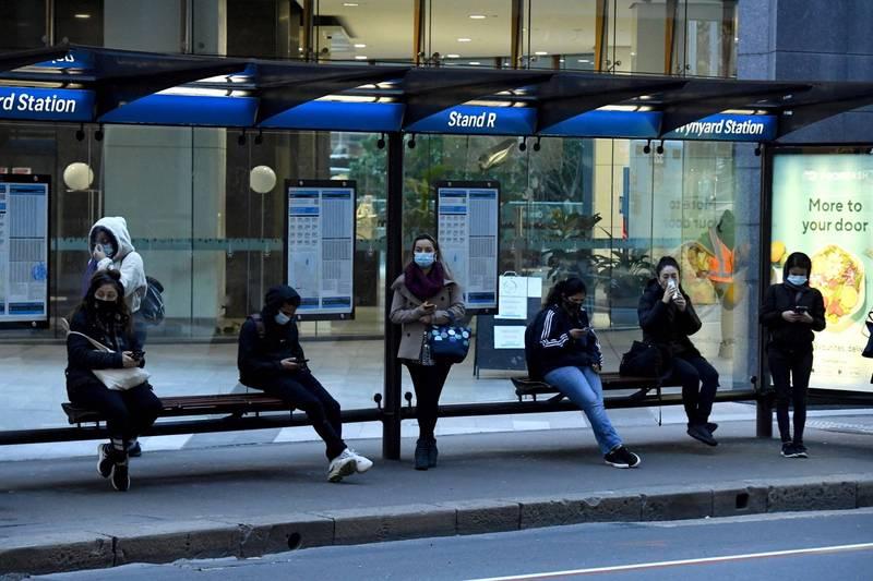 澳洲自當地時間今晚6點起,將有3個州處於封鎖狀態。圖為雪梨民眾。(歐新社)